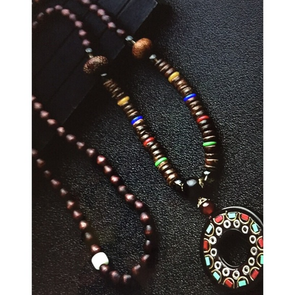 Jewelry - ETHNIC WOODEN BEAD CIRCLE NECKLACE